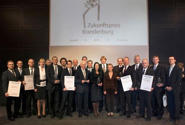 Die Preisträger und Laudatoren des Zukunftspreises Brandenburg 2013