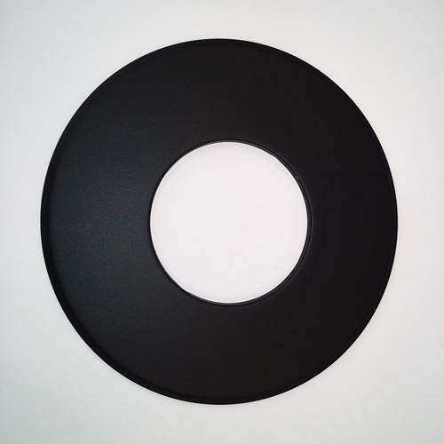 Rosette mit 90 mm breitem Rand, Senotherm, Schwarz, ø 150 mm, geeignet für Kaminöfen